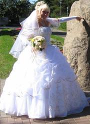 красивое,  пышное свадебное платье