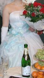 Продам свадебное платье белого цвета